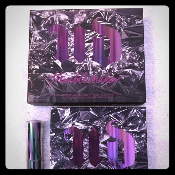 Urban Decay Other - Urban Decay Troublemaker Palette.